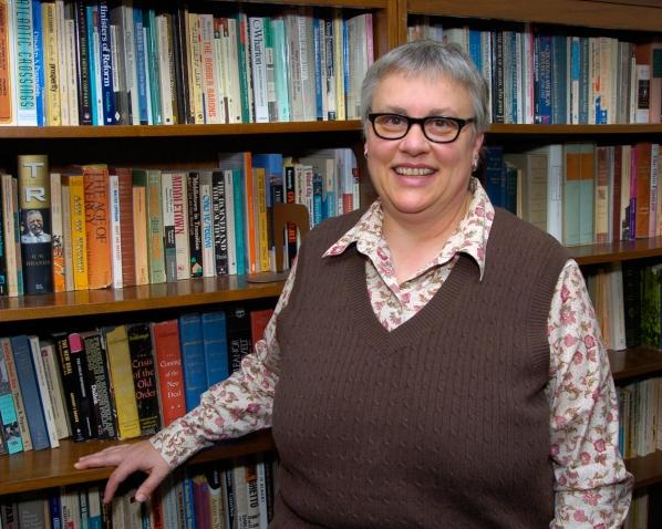 Dr. Lynne Getz headshot