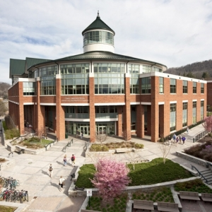 App State Belk Library. Photo by University Communications.